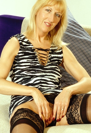 mature milf sms sex chat
