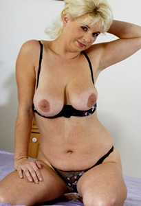 live milf text sex chat