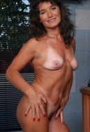 Phone Nicole (50)