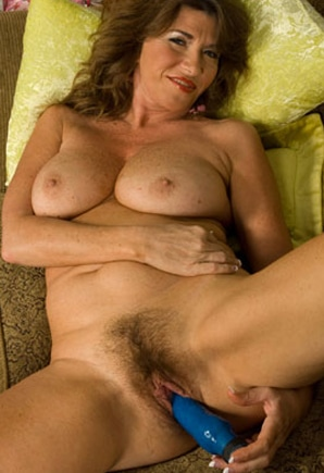 Phone Shelia (52)