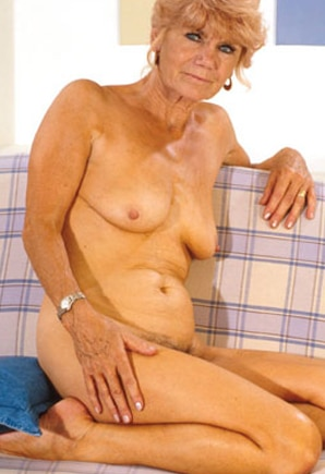 Phone Judie (70)